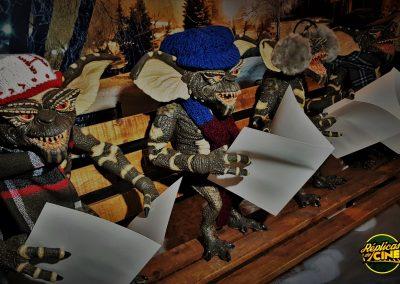 Gremlins cantado villancicos